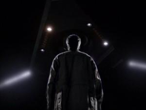 Fox_Mulder_under_UFO